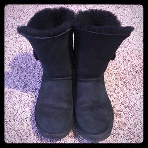 Ugg Bailey button black short boots
